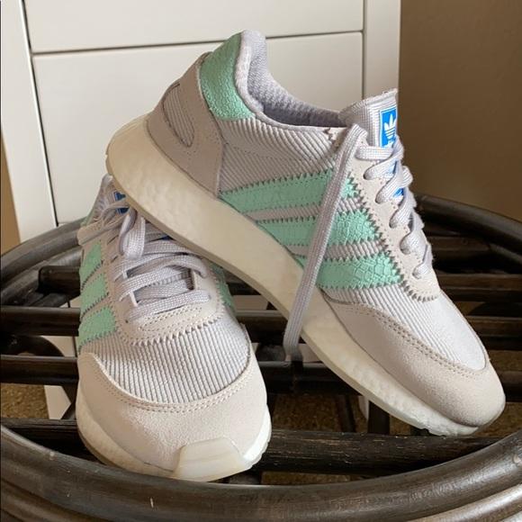 Adidas originals! Size 6 women's